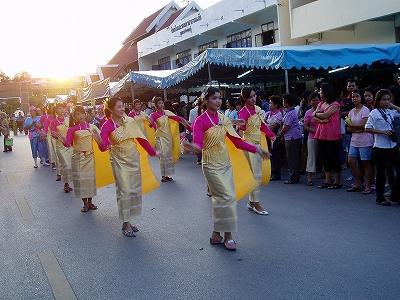 非常事★タイの、泰国東海岸 - マイルで行った赤シャツ危機のタイ写真1