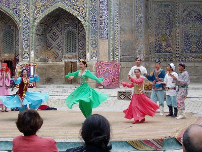 お気楽ウズベキスタン旅行-2万マイルで行けた中央アジア写真1